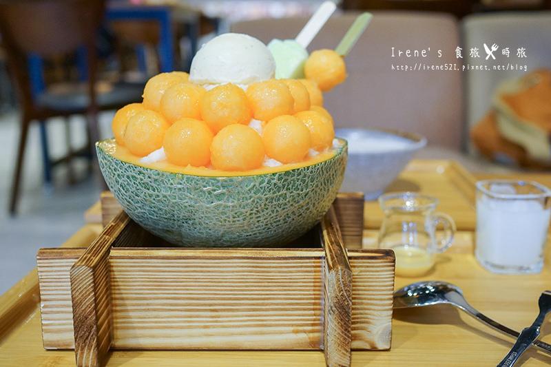 【蘆洲】食尚玩家推薦美食/浮誇的哈密瓜冰,一次半顆端上桌.Caramel Park焦糖公園(光華店)