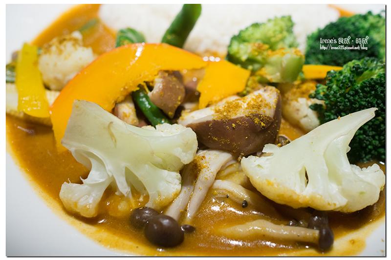 即時熱門文章:【中和】中和環球好吃的咖哩/素食咖哩.欣葉-咖哩匠