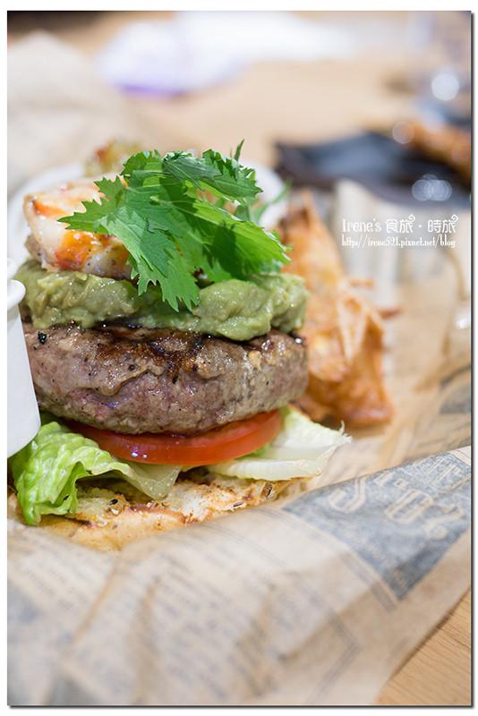 【台北信義區】牛排教父子弟兵的漢堡店/新光三越A11/信義店限定/牛P堡/五分熟的漢堡肉.Burger Ray