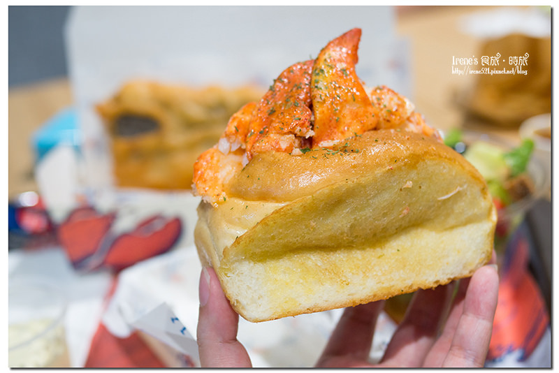【台北信義區】不用飛出國就能品嚐滿滿蝦肉的加拿大龍蝦堡/北海道松葉蟹腳堡/英式炸魚/新光三越A11.Captain Lobster