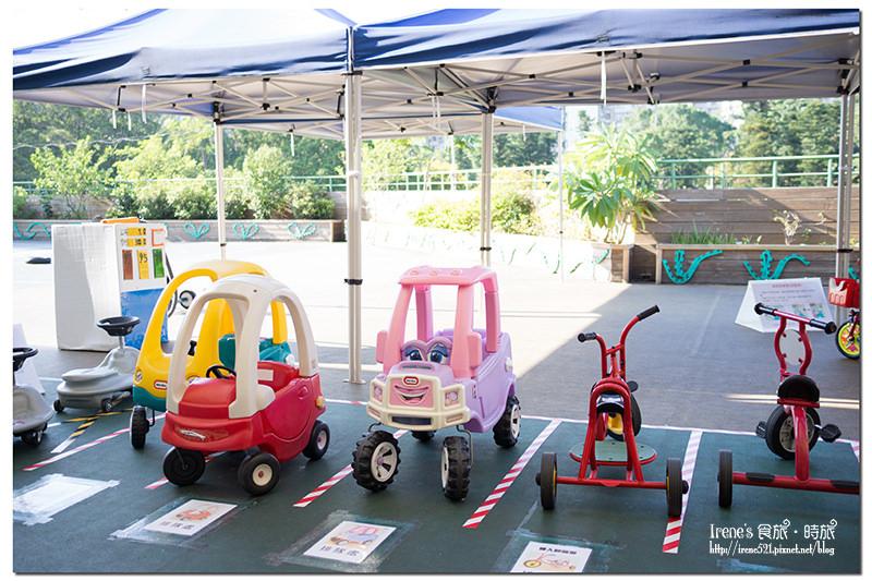 【親子旅遊】遊戲種類多,宜動宜靜的免費溜小孩好去處,還有戶外區很夯的遊戲車/戲沙區.萬華親子館 @Irene's 食旅.時旅