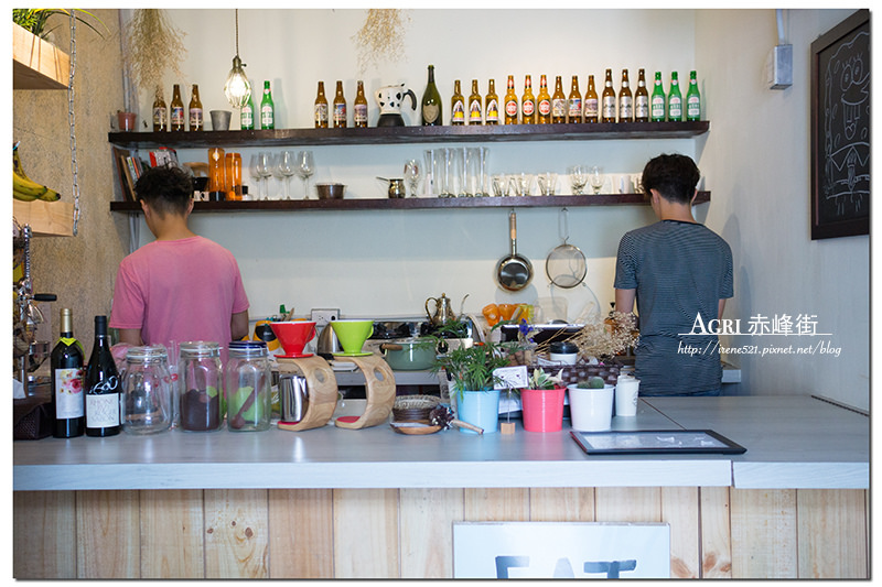 【台北大同區】日本人開的果汁店,好文青很花藝,還有獨特的毛豆奶昔.Agri 赤峰街