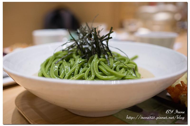 【林口-三井outlet】金箔加上抹茶,一抹綠中的閃耀貴氣.nana's green tea @Irene's 食旅.時旅