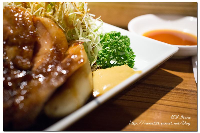 【九州博多-美食】黑不溜丟的料理,攻陷你的視覺衝擊力.ホウテン食堂 奉天本家