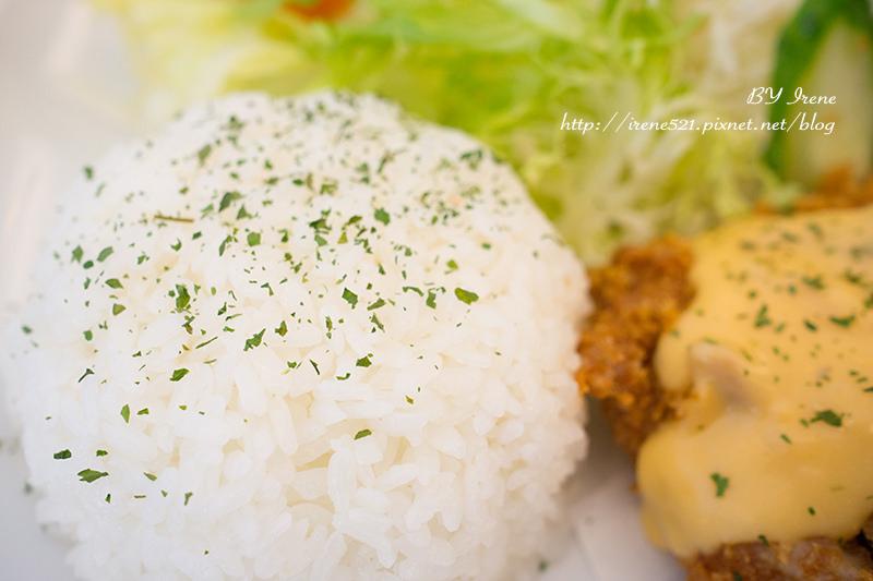 【三重】平價溫馨的餐館.豆角doukah豬排咖啡小館