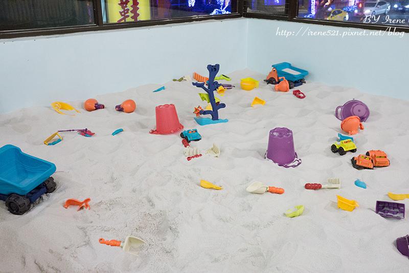 即時熱門文章:【台北士林區】擁有沙池、球池、彩繪區、遊戲區的超夯天母親子餐廳.Hello!Jazz!