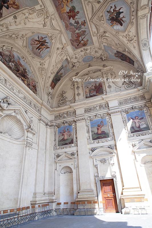 【布拉格】圍牆後的美景.華倫史坦宮殿花園Valdštejnský palác