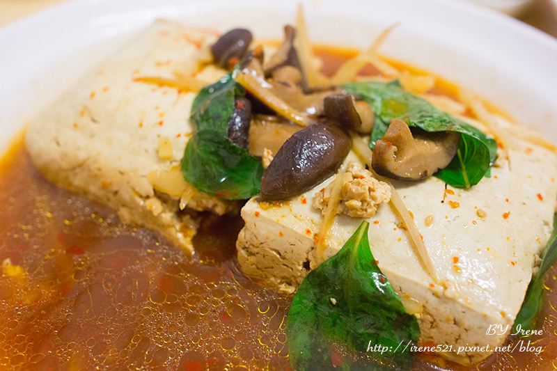 即時熱門文章:【板橋】銅板美食,當正餐當點心都合宜.阿義現蒸臭豆腐