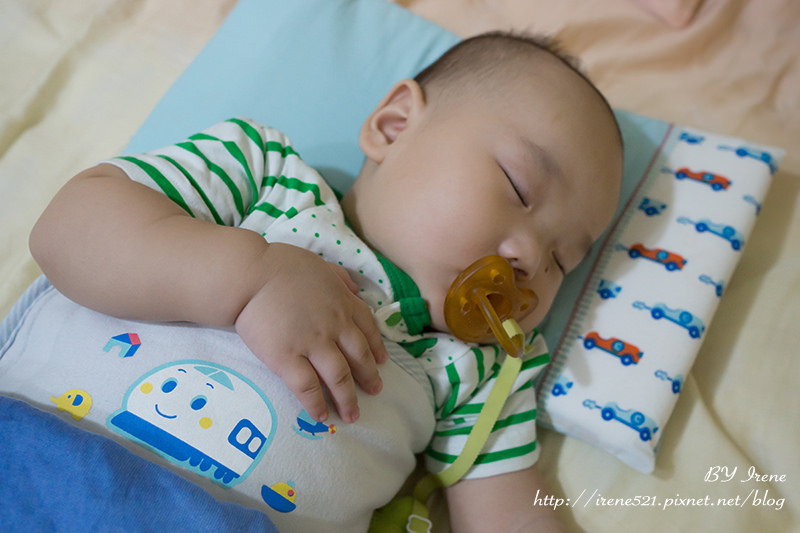 【嬰兒用品】防扁頭、透氣、舒適的睡眠好物.Clevamama嬰兒記憶枕 @Irene's 食旅.時旅