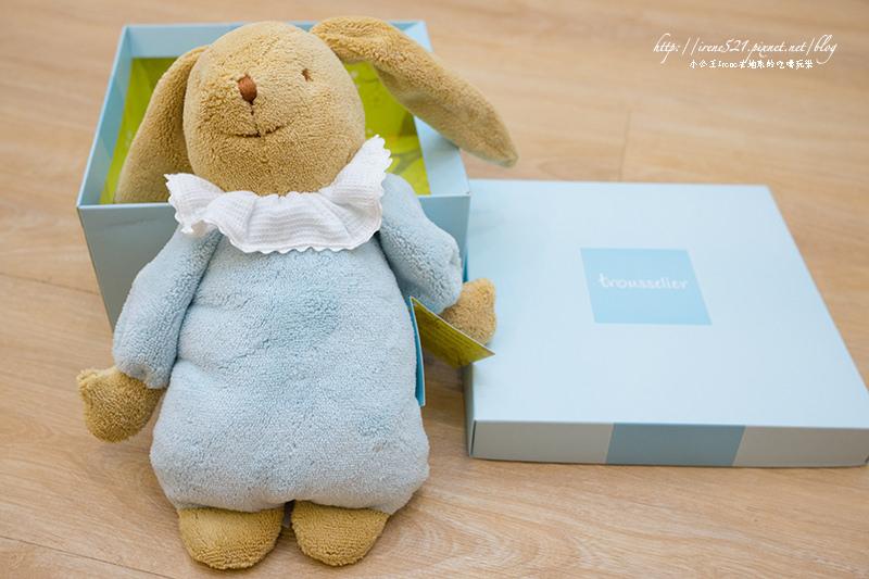【嬰兒用品】質感好、安全、安心的寶寶布偶.trousselier法國童思樂兔兔音樂布偶 @Irene's 食旅.時旅