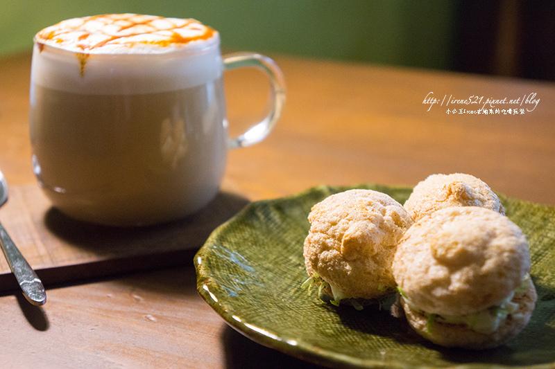 【台南東區】偽文青咖啡又一家,手做的隱藏甜點好迷人.穿牆貓 @Irene's 食旅.時旅