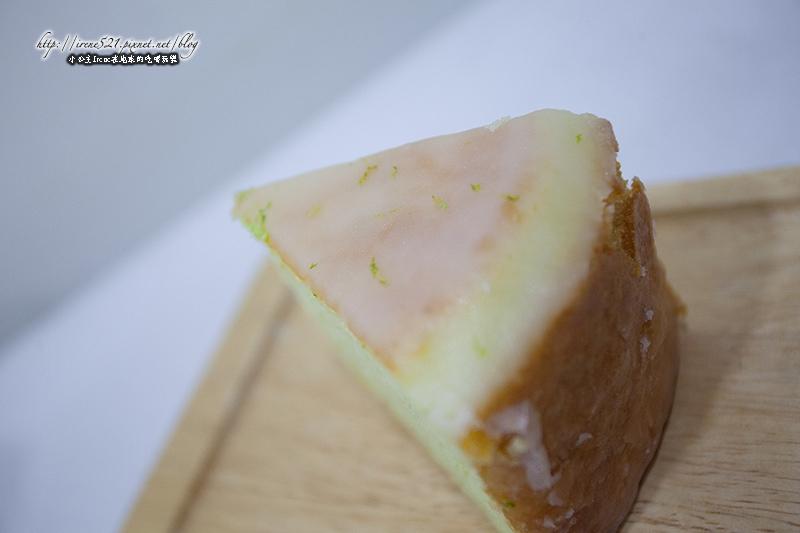 即時熱門文章:【台北大安區】傳說中的秒殺老奶奶的檸檬蛋糕.法朋烘焙甜點坊