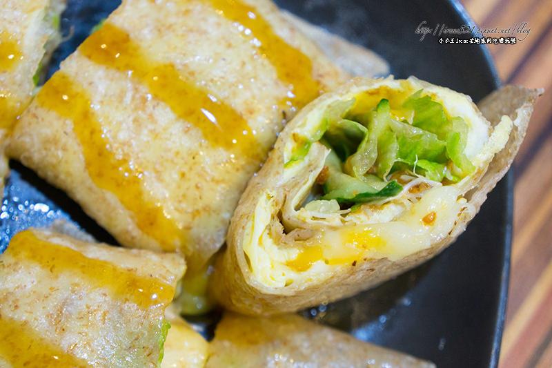 【板橋】早餐就能吃到冰火菠蘿包!還有邪惡的薯餅塔.向陽晨間飲食館