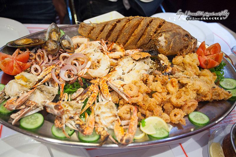 【杜拜】超驚人的海鮮拼盤,四個人也吃不完!Golden Fork @Irene's 食旅.時旅