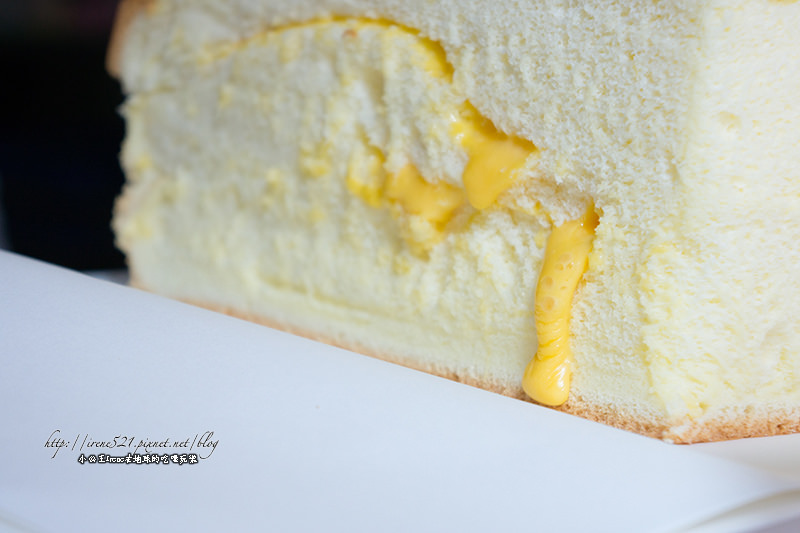 【淡水】金黃起司從蛋糕中流出.源味本舖古早味現烤蛋糕 @Irene's 食旅.時旅