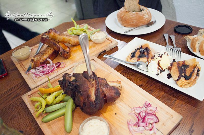 【捷克-布拉格】C/P值高,大份量美食,千萬不可一人點一份!Restaurace Černý baron @Irene's 食旅.時旅