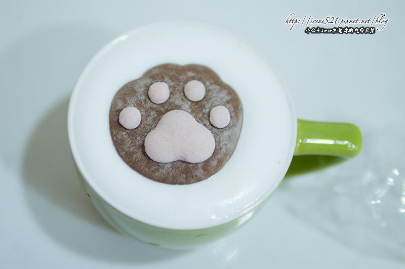 【日本小物】超療癒的YAWAHADA 貓肉球棉花糖 @Irene's 食旅.時旅