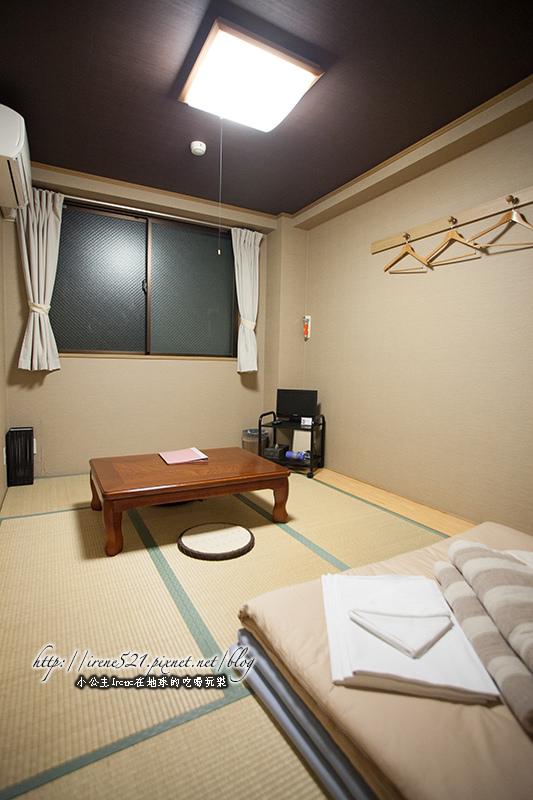 【京都】物美價廉的省錢之道,體驗自己鋪床睡的塌塌米.HANA花宿 @Irene's 食旅.時旅