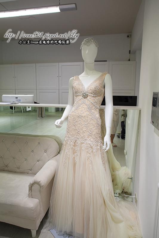 【婚紗】把浪漫跟優雅通通穿在身上,一輩子就美一次吧.White手工婚紗 @Irene's 食旅.時旅