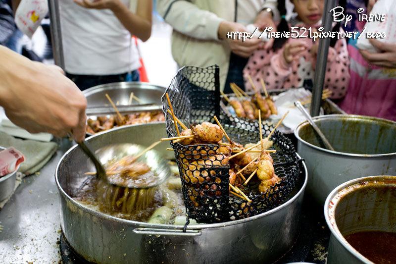 即時熱門文章:【宜蘭市】銅板美食.東門夜市十元炸物+嘟好燒