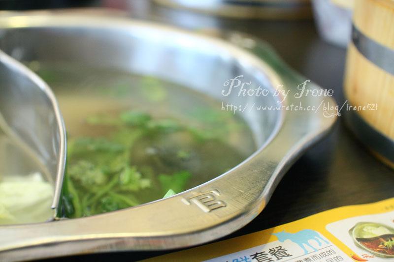 即時熱門文章:【土城】最喜歡的是沾醬.阿官火鍋專家(已歇業)