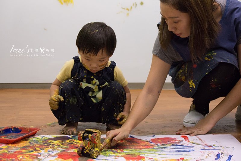 延伸閱讀:【親子課程】大金剛塗鴉遊戲 蘆洲親子館.整間教室都是我的塗鴉場