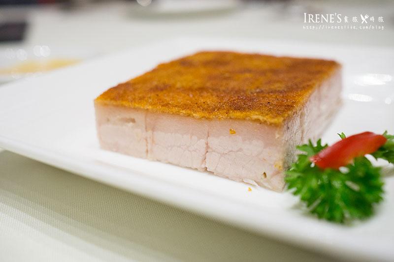【香港-美食】米其林一星餐廳,銷魂必吃的冰燒三層肉,脆嫩油甜的夢幻.利苑酒家-灣仔