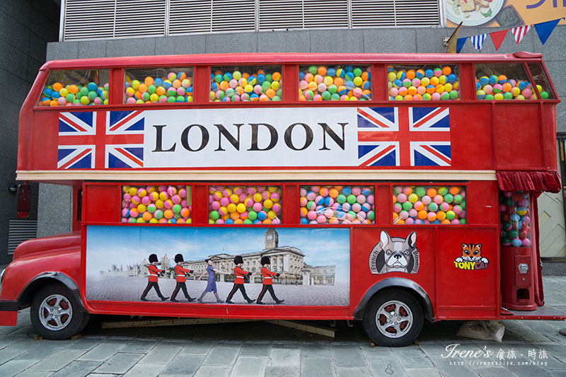 英國倫敦雙層扭蛋巴士