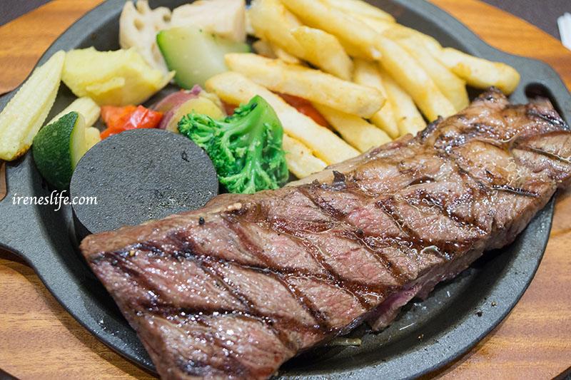 即時熱門文章:【台北信義區】來自日本福岡的牛排店,白飯熱湯無限供應吃到飽,還想吃分熟自己煎.AURORA STEAK