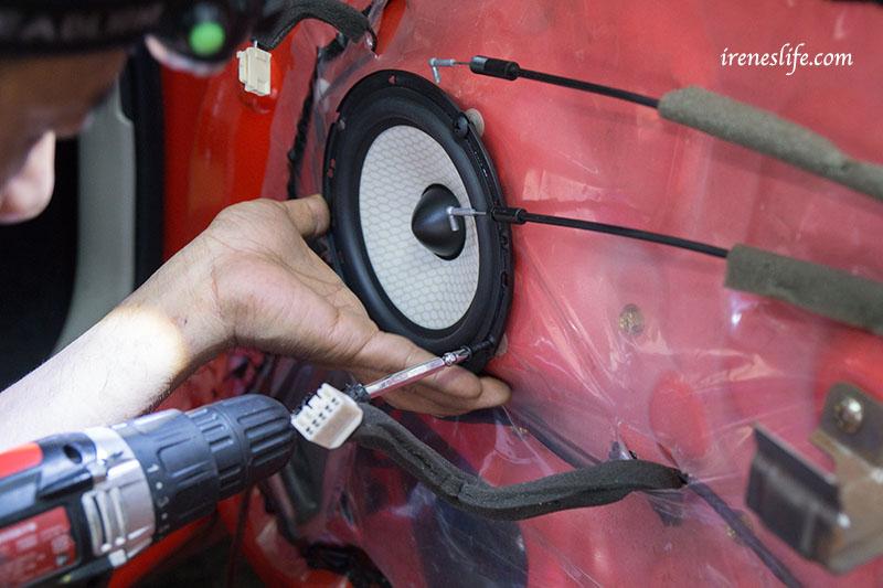即時熱門文章:汽車喇叭,汽車音響,汽車重低音,薄型重低音,JS250W分音喇叭.超便宜汽車音響