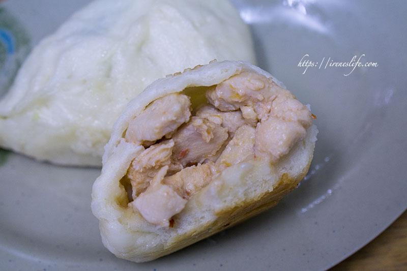即時熱門文章:【台北南港區】隱密巷中的傳說水煎包,肉多到爆的辣子雞水煎包,只賣你銅板價.傳說水煎包