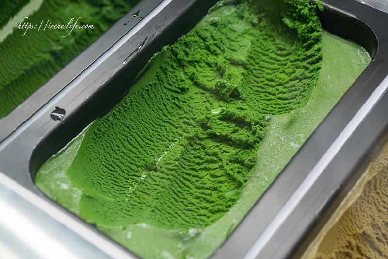 即時熱門文章:【台北信義區】微風南山美食,七種濃淡的抹茶冰淇淋任你選,全球最濃抹茶冰在這裡.JAPAN RAIL CAFE