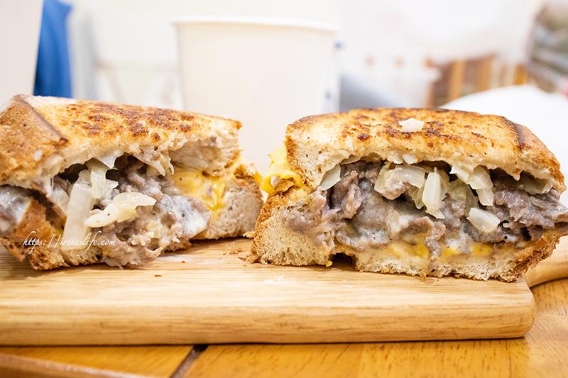 即時熱門文章:【三重】捷運三重國小站美食,騎樓下的奶油慢火熱煎美味早餐.Iron Fresh 鐵板三明治