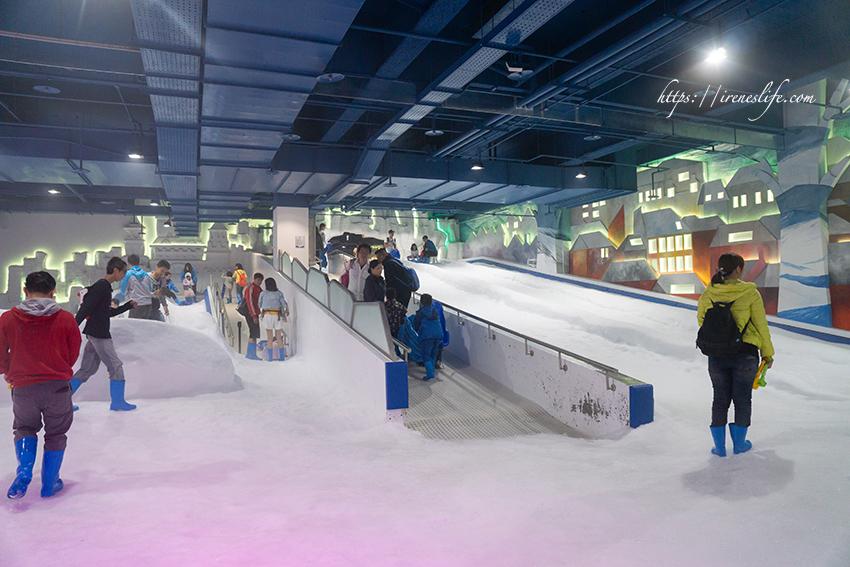 延伸閱讀:【台中】恆溫室內雪場,滑雪道、打雪仗、堆雪人,不用出國就能體驗玩雪的樂趣.SNOWTOWN雪樂地