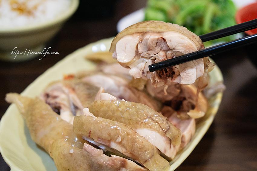 即時熱門文章:【三重】超低調隱藏在龍門市場內的在地美食,超好吃放山雞雞肉飯.公園埔里放山雞雞肉飯雞肉便當