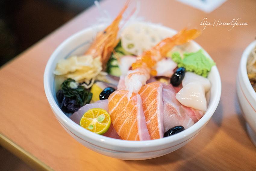 即時熱門文章:【蘆洲】蘆洲平價日本料理/海鮮丼飯,近捷運三民高中,毛毛蟲壽司只要120元.美味子家庭和風料理
