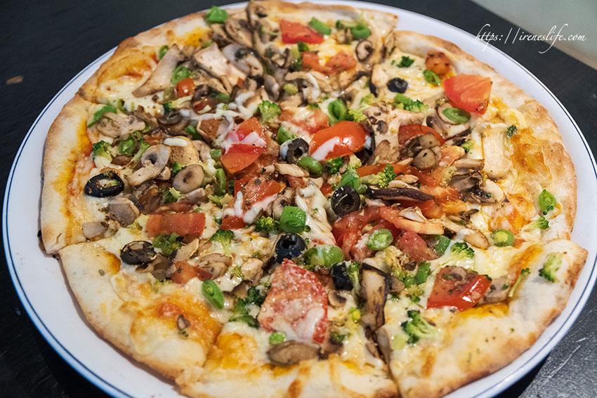 今日熱門文章:【台北士林區】平價美味的士林蔬食餐廳,義大利麵、燉飯、披薩都好吃,加大不加價.藍色馬克