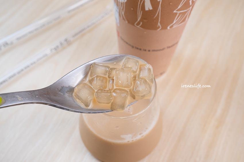 即時熱門文章:【基隆】基隆港旁來自台南的上宇林厚鮮奶茶專門店,手工粉角鮮奶茶比粉圓還Q彈