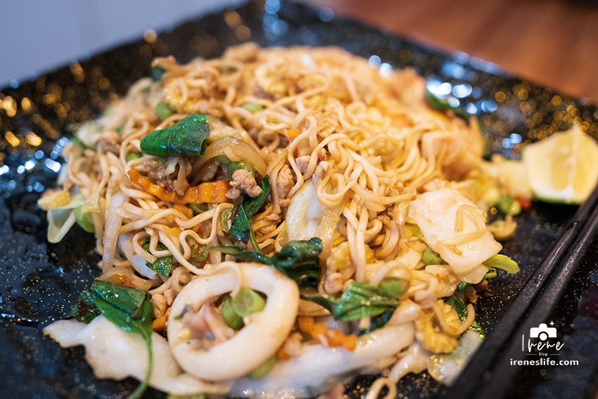 今日熱門文章:【三重】試賣期間的泰小吃店,銅板價格的道地泰國味,不會每道菜吃起來味道都一樣