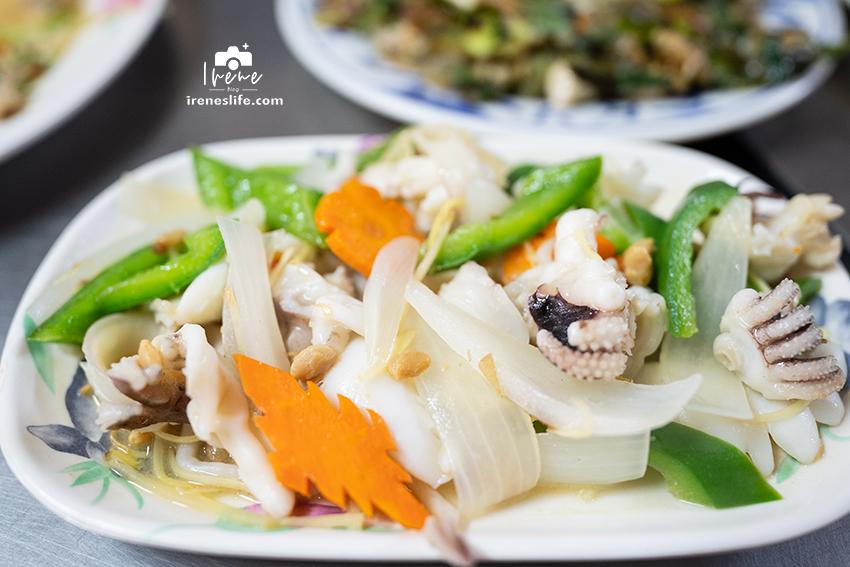 王功芳苑美食,滿滿蚵仔大餐,脆皮蚵仔煎、生蚵沙西米,新鮮又平價.林家蚵仔炸