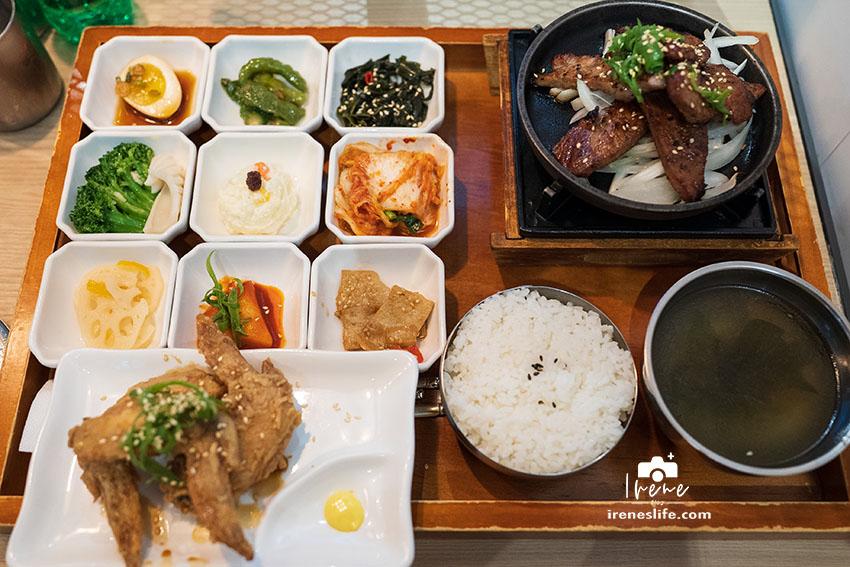 最新推播訊息:遠百A13美食,台灣自創韓式料理品牌,一個人也能吃的韓式料理,九宮格小菜好豐富