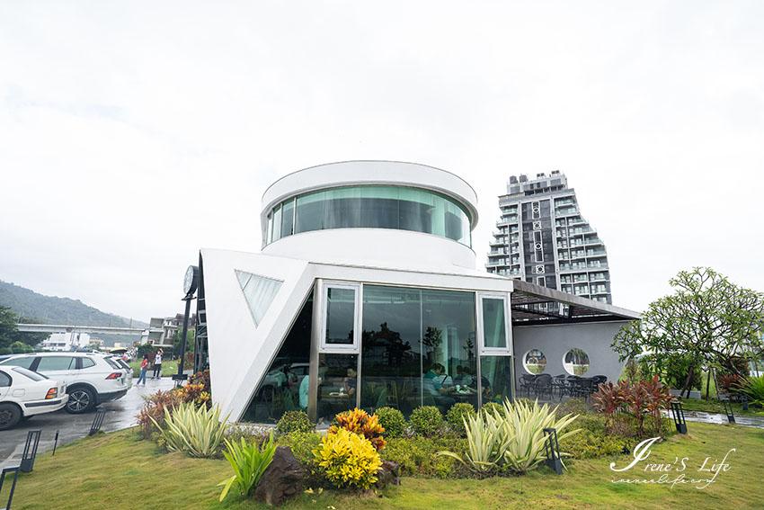 今日熱門文章:宜蘭頭城星巴克,全台唯一遊艇星巴克!前衛造型、海水般的藍色落地玻璃窗,滿滿海洋元素